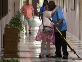 Singing Janitor Makes Hospital Patients Smile