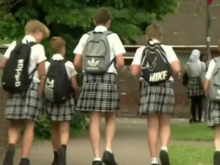 British Schoolboys Wear Skirts During Heatwave in Uniform Protest