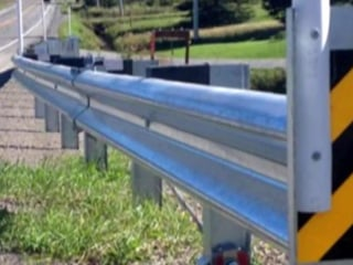 New lawsuit filed against manufacturer of highway guardrails