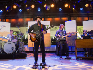 Country Star Lee Brice Sings His New Single 'Boy' on TODAY