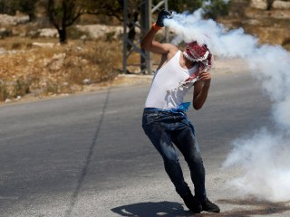 Muslims Protest New Security Measures at Jerusalem's Al-Aqsa Mosque