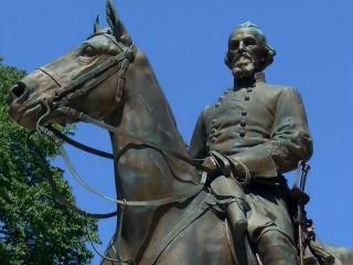 Charlottesville mayor reverses, calls to remove statue of Robert E. Lee