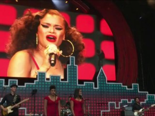 Watch Andra Day 'Rise Up' at the Global Citizen Festival