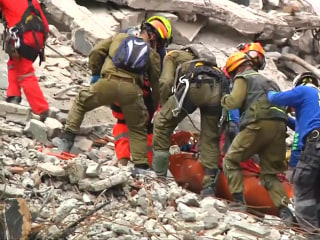 Mexico earthquake: Search for survivors continues as death toll rises