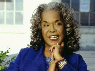 'Touched By An Angel' Star Della Reese dead at 86