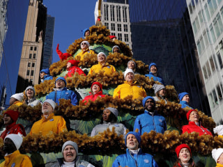 Macy's parade draws big crowds despite security concerns