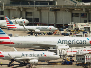 American Airlines passengers in limbo after widespread scheduling glitch