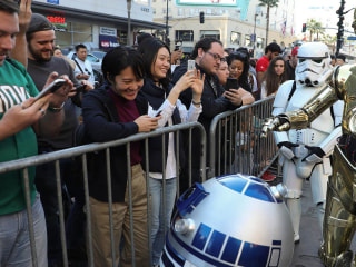 'Star Wars' fans flock to Hollywood for first screenings of 'The Last Jedi'