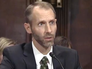 Trump judicial nominee struggles to answer Senator's legal questions