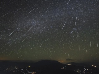 Get ready for the spectacular Geminid meteor shower to light up the night sky