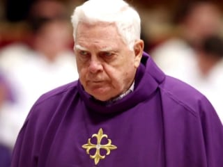 Pope Francis to bless Cardinal Bernard Law at Rome funeral