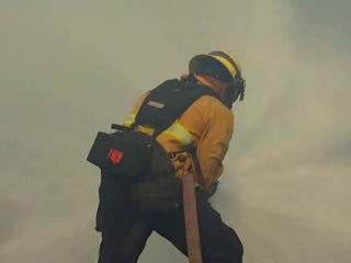 Firefighters struggle to contain Thomas Fire's monster-blaze
