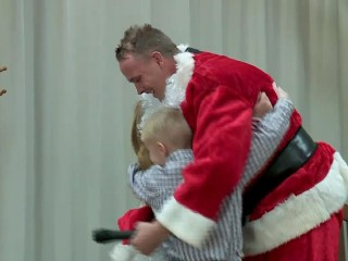 Secret Santas across the U.S. perform random acts of kindness