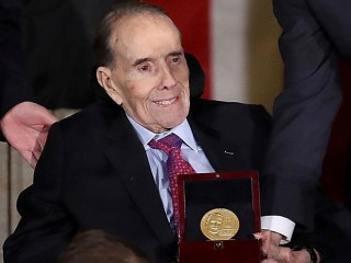 Watch Trump, Ryan, McConnell honor Dole at Congressional Gold Medal ceremony