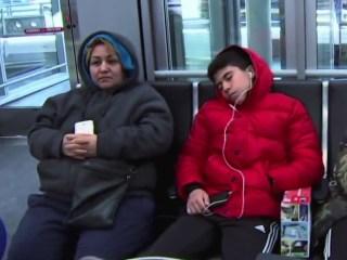 Thousands of canceled flights as winter storm pummels East coast