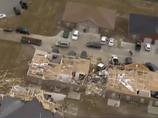 Deadly weather in Eastern US as tornadoes rip through five states
