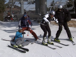 Watch Hoda and Savannah get a ski lesson from Gus Kenworthy