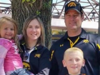 Iowa family found dead in vacation condo in Mexico