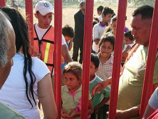 Trump's 'caravan' of migrants heads north