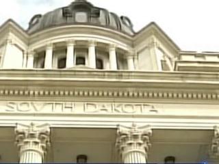 Supreme Court debates internet sales tax case