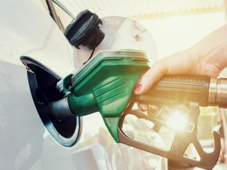 How to save money at the gas pump this summer