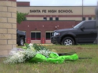 Amid the chaos in Santa Fe, teachers' yells sent students scrambling for safety
