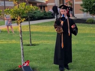 Valedictorian denied right to speak at graduation
