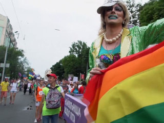 Thousands hold gay pride march in Ukrainian capital of Kiev