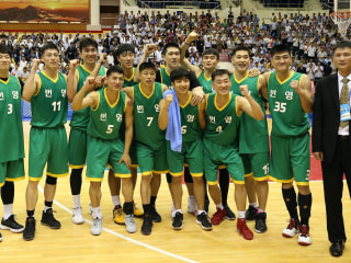 North and South Koreans team up on basketball court