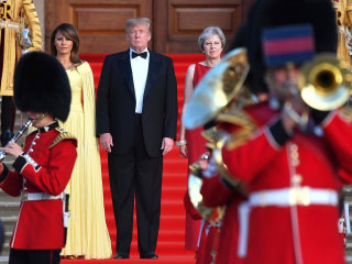 Trump greeted with British pomp and ceremony