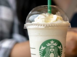 Starbucks to get rid of single-use plastic straws