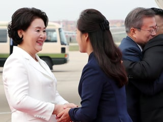 Hugs, praise and high expectations as Korean leaders meet in Pyongyang