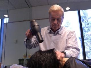 Color my world: Celebrity hairstylist Jim Markham