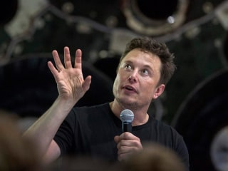 Elon Musk reveals SpaceX's 1st passenger to the moon