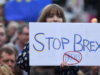 Thousands turn out for anti-Brexit protest in London
