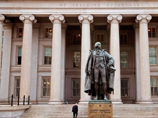 Treasury employee arrested for allegedly leaking to reporters