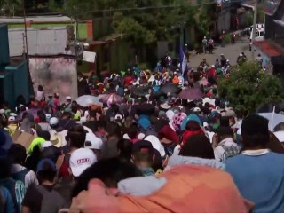 Over 7,000 migrants defiantly march towards U.S. border