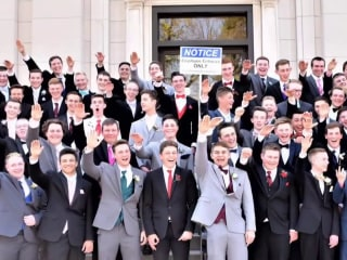 Photographer behind photo appearing to show students giving Nazi salute speaks out