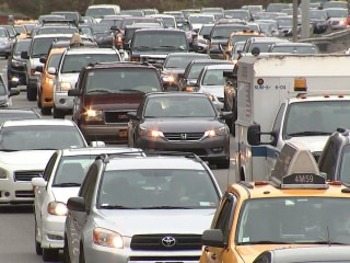 Thanksgiving travel: Huge numbers expected on roads, flights
