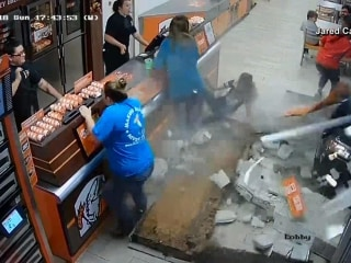 Dramatic video shows car plowing through Little Caesars in Florida