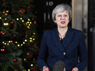 PM May survives Brexit no-confidence vote