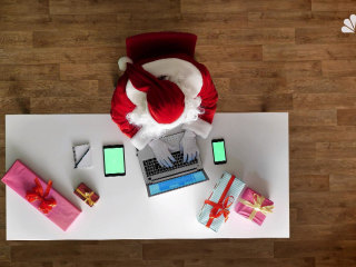 Holidays at the office: Your guide to gifts