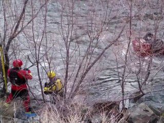 Video shows miracle rescue of man trapped in upside down car in freezing river