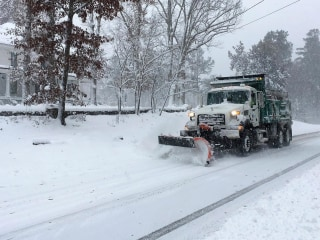 Deadly winter storms put Virginia, North Carolina in state of emergency