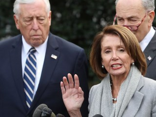Pelosi, Hoyer defend Trump State of the Union delay