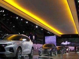 Automakers ditch sedans at Detroit auto-show