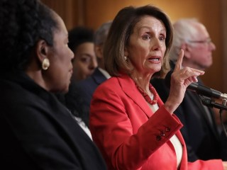 Nancy Pelosi urges Trump to delay State of the Union address