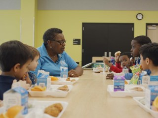 How this 'head lunch lady' is revolutionizing school lunch rooms — one bite at a time