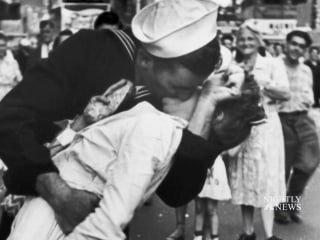 Navy veteran identified as 'kissing sailor' in WWII photo dies at 95