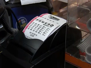 Powerball jackpot surges to $625M after no winner Wednesday